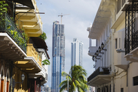 Modern skyscrapers and historical old town, UNESCO World Heritage Site, Panama City, Panama, Central America 20025348586| 写真素材・ストックフォト・画像・イラスト素材|アマナイメージズ