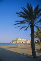 The citadel from the beach, Peniscola, Costa de Azahar, Valencia, Spain, Europe