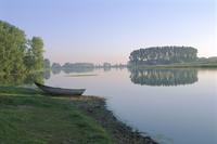 River Rhine near Xanten, North Rhine-Westphalia (Nordrhein-Westfalen), Germany, Europe