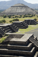 View from Pyramid of the Moon of the Avenue of the Dead and the Pyramid of the Sun in background, Teotihuacan, 150AD to 600AD an