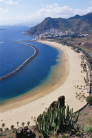 Aerial view of Playa de las Teresitas, Santa Cruz de Tenerife, Tenerife, Canary Islands, Spain, Atlantic, Europe 20025349991| 写真素材・ストックフォト・画像・イラスト素材|アマナイメージズ