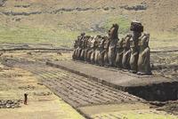 Ahu Tongariki, Easter Island (Rapa Nui), UNESCO World Heritage Site, Chile, South America 20025351435| 写真素材・ストックフォト・画像・イラスト素材|アマナイメージズ