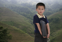 Boy of Yao mountain tribe minority with laptop, Longsheng terraced ricefields, Guangxi Province, China, Asia 20025351620| 写真素材・ストックフォト・画像・イラスト素材|アマナイメージズ