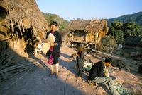 Hmong village of Ban Mak Phoun, between Udomoxai (Udom Xai) and Luang Nam Tha, Laos, Indochina, Southeast Asia, Asia