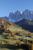 Santa Maddalena, Val di Funes, Dolomites, Bolzano province, Trentino-Alto Adige, Italy, Europe 20025358901| 写真素材・ストックフォト・画像・イラスト素材|アマナイメージズ