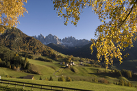 Santa Maddalena, Val di Funes, Dolomites, Bolzano province, Trentino-Alto Adige, Italy, Europe 20025358902| 写真素材・ストックフォト・画像・イラスト素材|アマナイメージズ