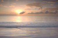 Sunrise on Pink Sands Beach, Harbour Island, The Bahamas, West Indies, Central America 20025361138| 写真素材・ストックフォト・画像・イラスト素材|アマナイメージズ