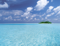 Tropical island surrounded by lagoon, Maldives, Indian Ocean, Asia 20025361757| 写真素材・ストックフォト・画像・イラスト素材|アマナイメージズ