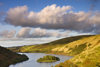 Early autumn afternoon overlooking Meldon Reservoir, Dartmoor National Park, Devon, England, United Kingdom, Europe 20025361880| 写真素材・ストックフォト・画像・イラスト素材|アマナイメージズ
