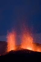 Fountaining lava from Eyjafjallajokull volcano, Iceland, Polar Regions 20025362277| 写真素材・ストックフォト・画像・イラスト素材|アマナイメージズ