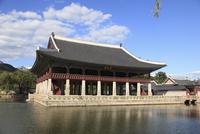 Gyeonghoeru pavilion, Gyeongbokgung Palace (Palace of Shining Happiness), Seoul, South Korea, Asia