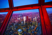 View of downtown Toronto skyline taken from CN Tower, Toronto, Ontario, Canada, North America 20025363529| 写真素材・ストックフォト・画像・イラスト素材|アマナイメージズ
