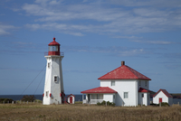 A lighthouse on the island of Havre-Aubert, Iles de la Madeleine (Magdalen Islands), Quebec, Canada, North America 20025363539| 写真素材・ストックフォト・画像・イラスト素材|アマナイメージズ