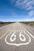 Historic Route 66 sign near Amboy, California, United States of America, North America 20025364356| 写真素材・ストックフォト・画像・イラスト素材|アマナイメージズ