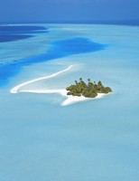 Aerial view of an island in the North Male atoll, Maldives, Indian Ocean, Asia 20025366139| 写真素材・ストックフォト・画像・イラスト素材|アマナイメージズ