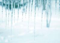 雪原とつらら 20027000037| 写真素材・ストックフォト・画像・イラスト素材|アマナイメージズ