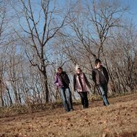 散歩する若者たち