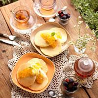 パンケーキのあるティータイム 20027001057| 写真素材・ストックフォト・画像・イラスト素材|アマナイメージズ