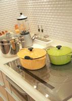キッチンのIHヒーターと調理器具