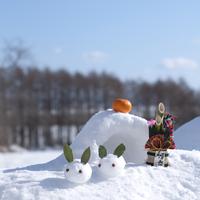 雪ウサギとかまくらと門松