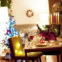 クリスマスパーティーのテーブルセッティング