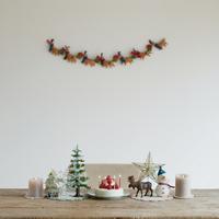 クリスマスグッズの並ぶテーブル