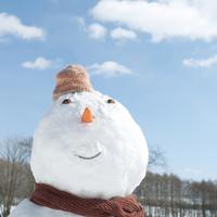 青空と雪だるま