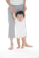お母さんと赤ちゃん 20035001551| 写真素材・ストックフォト・画像・イラスト素材|アマナイメージズ