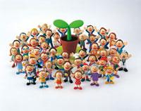 人々と芽吹き 20037000177| 写真素材・ストックフォト・画像・イラスト素材|アマナイメージズ
