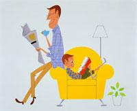 新聞を読むお父さんと本を読む子供