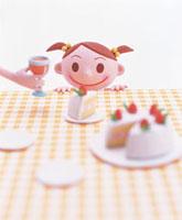 ケーキを見つめる女の子