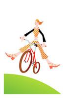 元気に自転車に乗る女性 20037002573| 写真素材・ストックフォト・画像・イラスト素材|アマナイメージズ