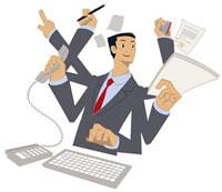 机で仕事をするビジネスマン 20037002985| 写真素材・ストックフォト・画像・イラスト素材|アマナイメージズ
