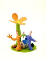 花と家と家族 20037003997| 写真素材・ストックフォト・画像・イラスト素材|アマナイメージズ