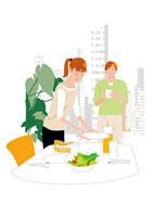 リビングで食事の支度をする夫婦 20037004846  写真素材・ストックフォト・画像・イラスト素材 アマナイメージズ
