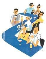 色々な男女が座るバーのカウンター