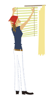 カーテンをブラインドに替える女性 20037007377| 写真素材・ストックフォト・画像・イラスト素材|アマナイメージズ