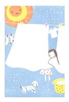 洗濯物を干す女の子