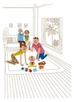 リビングで赤ちゃんを見守る夫婦と祖父祖母 20037007991| 写真素材・ストックフォト・画像・イラスト素材|アマナイメージズ