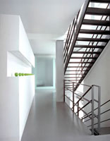 modern hall 20038003986| 写真素材・ストックフォト・画像・イラスト素材|アマナイメージズ