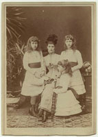 Alexandra of Denmark and her daughters (Princess Victoria Al