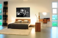 A large stylish bedroom with a double bed 20052000697  写真素材・ストックフォト・画像・イラスト素材 アマナイメージズ