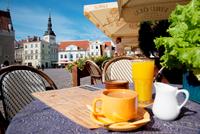 Estonia. Tallinn. Harju. Harjumaa. Town Hall Square Restaurant 20053009143| 写真素材・ストックフォト・画像・イラスト素材|アマナイメージズ