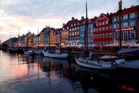 Denmark. Copenhagen. Nyhavn Waterfront 20053009292| 写真素材・ストックフォト・画像・イラスト素材|アマナイメージズ