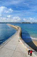France. Brittany. Saint Malo Pier 20053010075| 写真素材・ストックフォト・画像・イラスト素材|アマナイメージズ