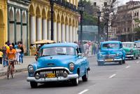 Cuba. Havana. Old American Car 20053011616| 写真素材・ストックフォト・画像・イラスト素材|アマナイメージズ