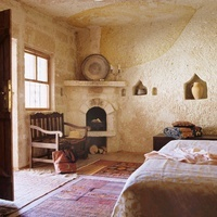 Cappadoccia cave house renovated with local antiques and tra