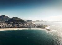 an aerial shot of ipanema beach with copacabana beach, the c 20055005877  写真素材・ストックフォト・画像・イラスト素材 アマナイメージズ