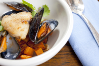Coconut Curry cioppino With Monk Fish, Mussels And Broth 20055011541| 写真素材・ストックフォト・画像・イラスト素材|アマナイメージズ