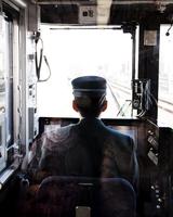 Japanese Train Driver 20055011717| 写真素材・ストックフォト・画像・イラスト素材|アマナイメージズ
